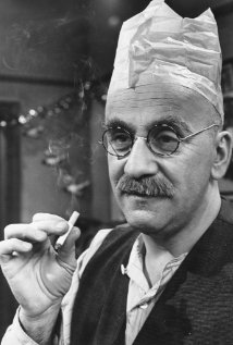 Watch Warren Mitchell Movies Online